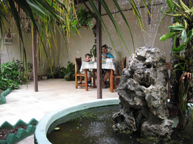 Casa de amarilis bayamo suite cuba for Amarilis decoration